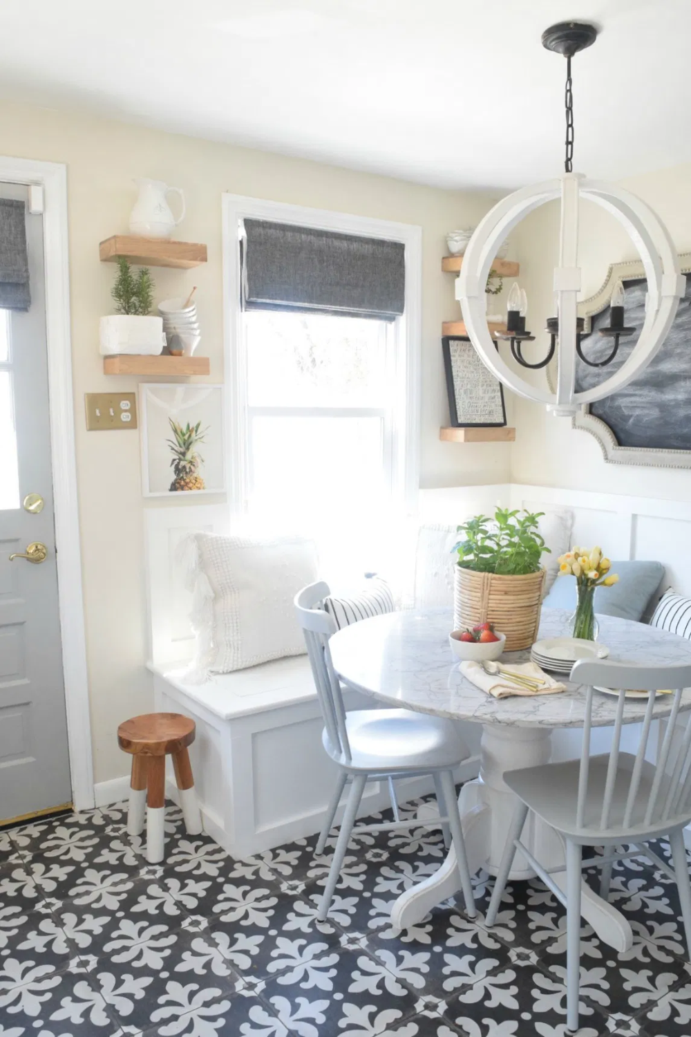 Built-in Kitchen Banquette Reveal