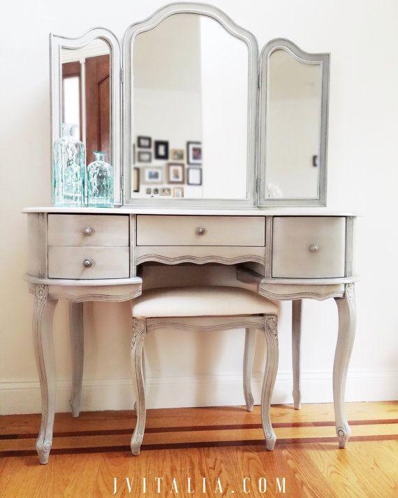 make up vanity von vitaliadesign auf etsy schminktisch. Black Bedroom Furniture Sets. Home Design Ideas