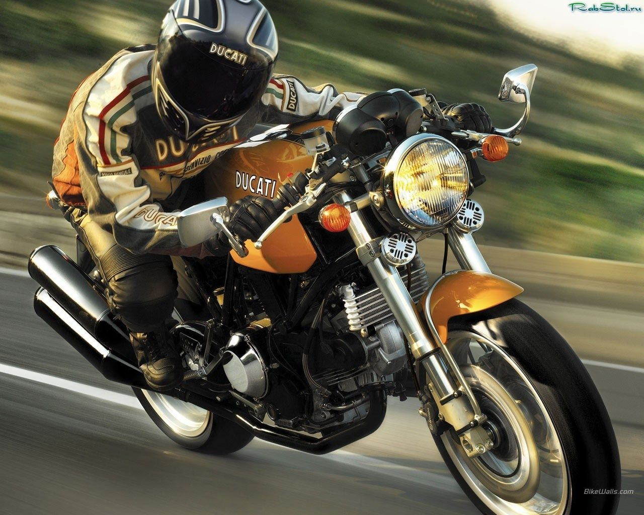 High speed motorcycles. Amazing capture. www.Motoleather