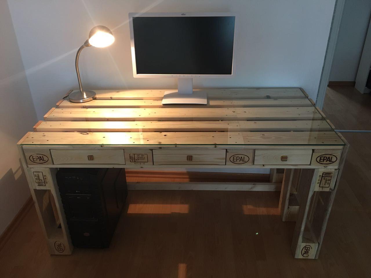 Paletten Schreibtisch 1001 Ideen Fur Selber Bauen 21 Aus Tisch Diy Throu Schreibtisch Selber Bauen Europalette Schreibtisch Schreibtisch Aus Paletten