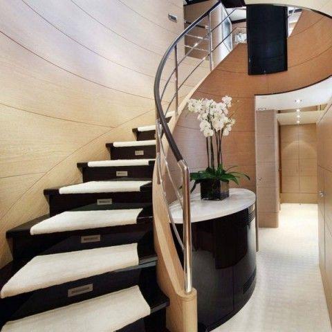 Escalera caracol en viviendas modernas | Viviendas modernas ...