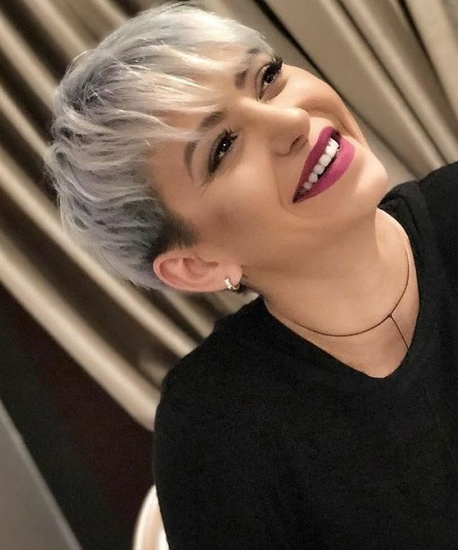 Blonde balayage short hair style for women with ba