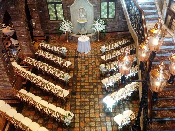 Bridal Bouquet. The Cruz Building. Gold Stands. White