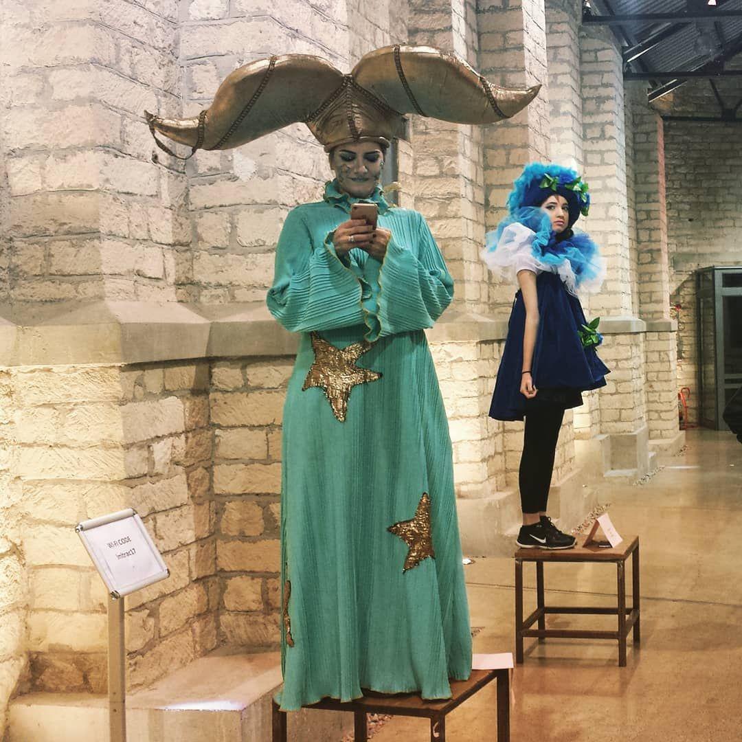 Gemütlich Die Kostümparty Ort Galerie - Hochzeit Kleid Stile Ideen ...