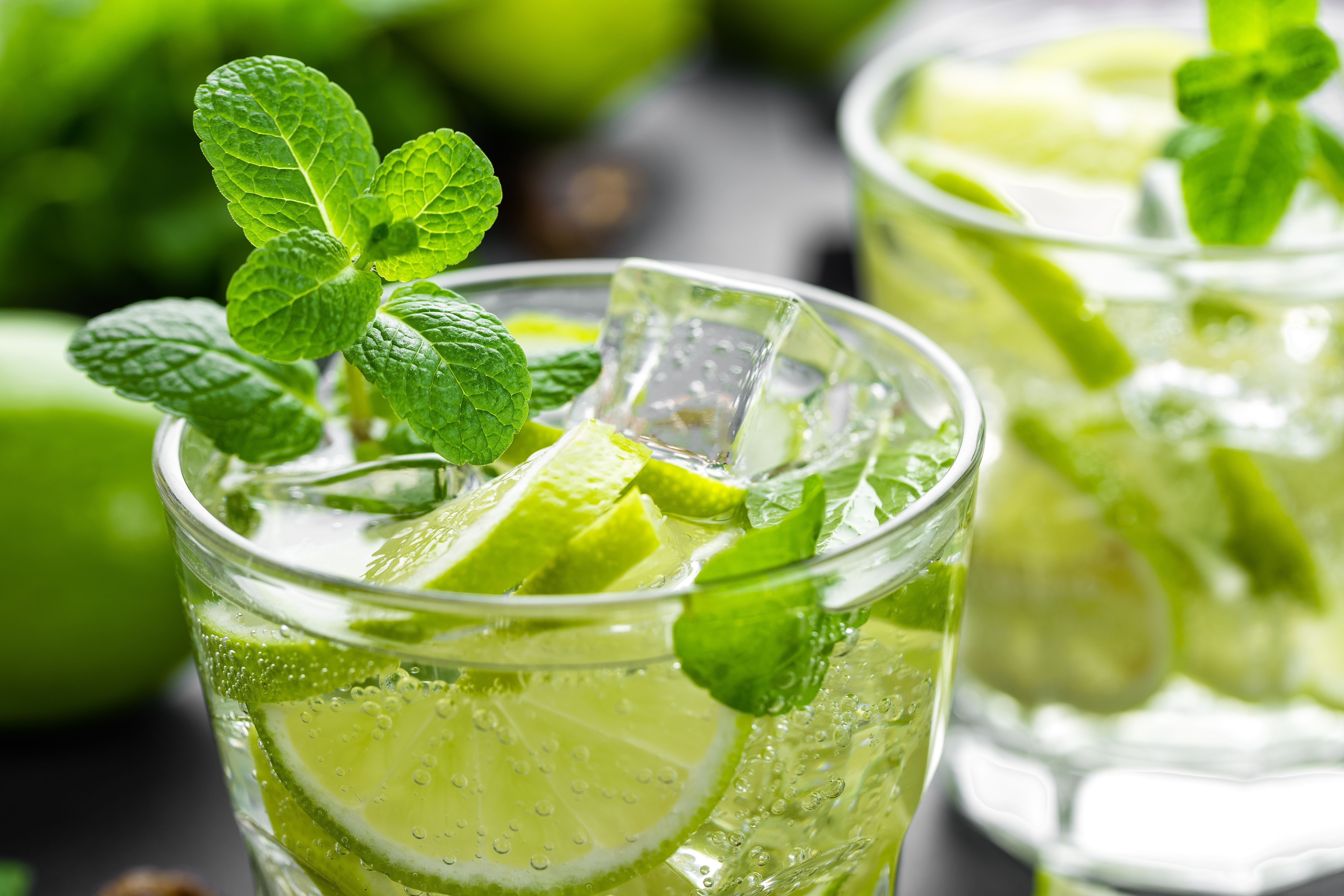 Simple Mojito Recipe Refreshing Cocktails Citrus Cocktails Lime