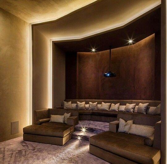 Hometheater Projector Home Theatre Surround Sound Plasma Tv Recliner Sofa