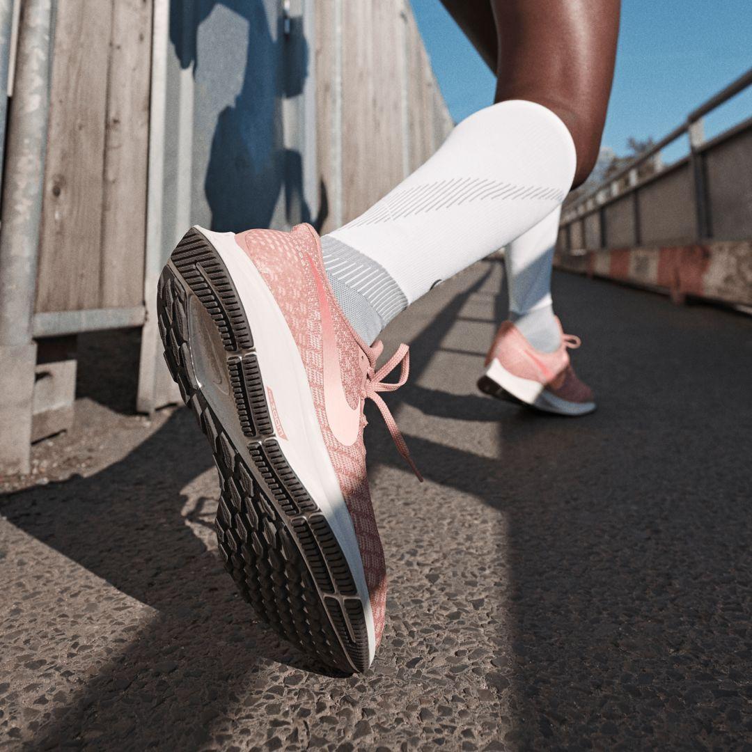 Nike Air Zoom Pegasus 35 Women's Shoes Black Gold