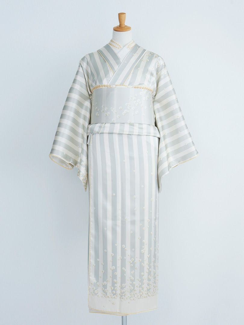 Wow, simple but lovely designed #kimono!