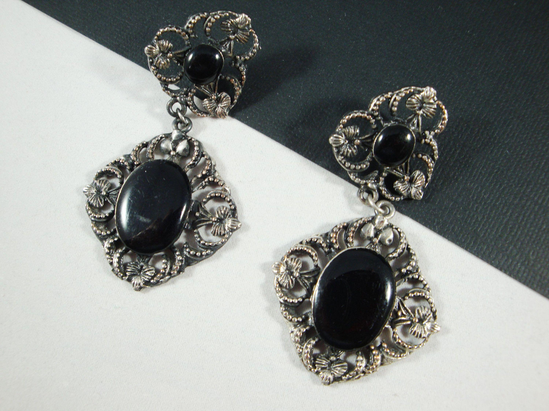 Vintage Pair Dangle Earrings  Black Stones Silvertone Beads /& Setting Pierced Earrings Black Faceted Beads