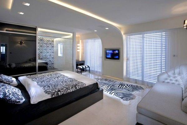Le plafond suspendu dans la chambre à coucher: plaques de plâtre ...