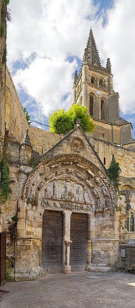 Iglesia rupestre de Saint Emilion y su campanario