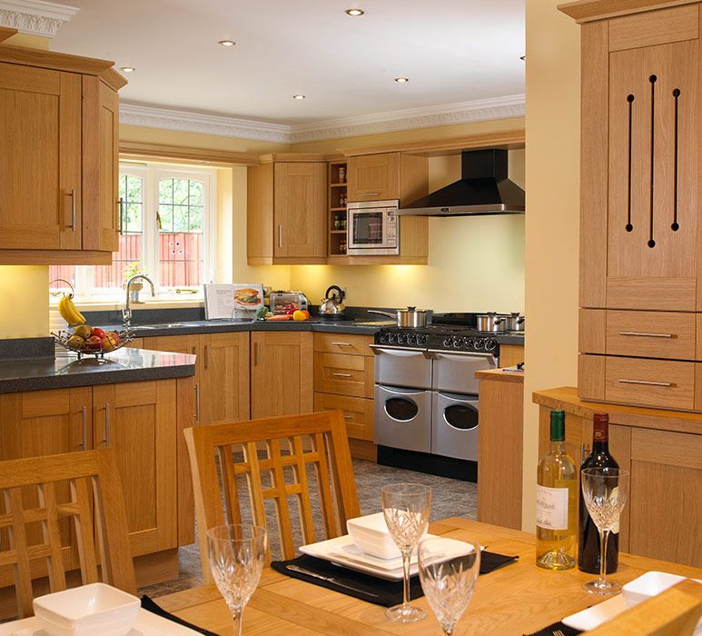Best Natural Light Oak Shaker Kitchen 01 Shaker Kitchen 400 x 300