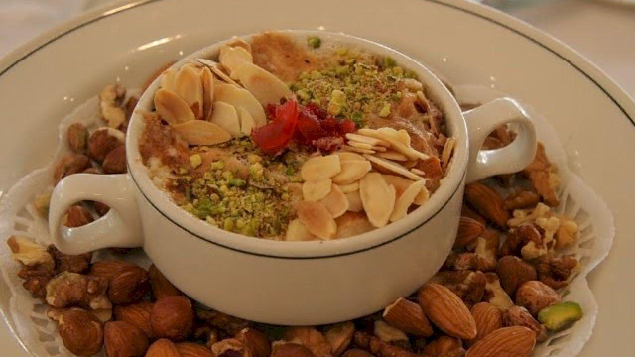 طريقة حلى أم علي سهلة Egyptian Food Egyptian Desserts Cooking Recipes
