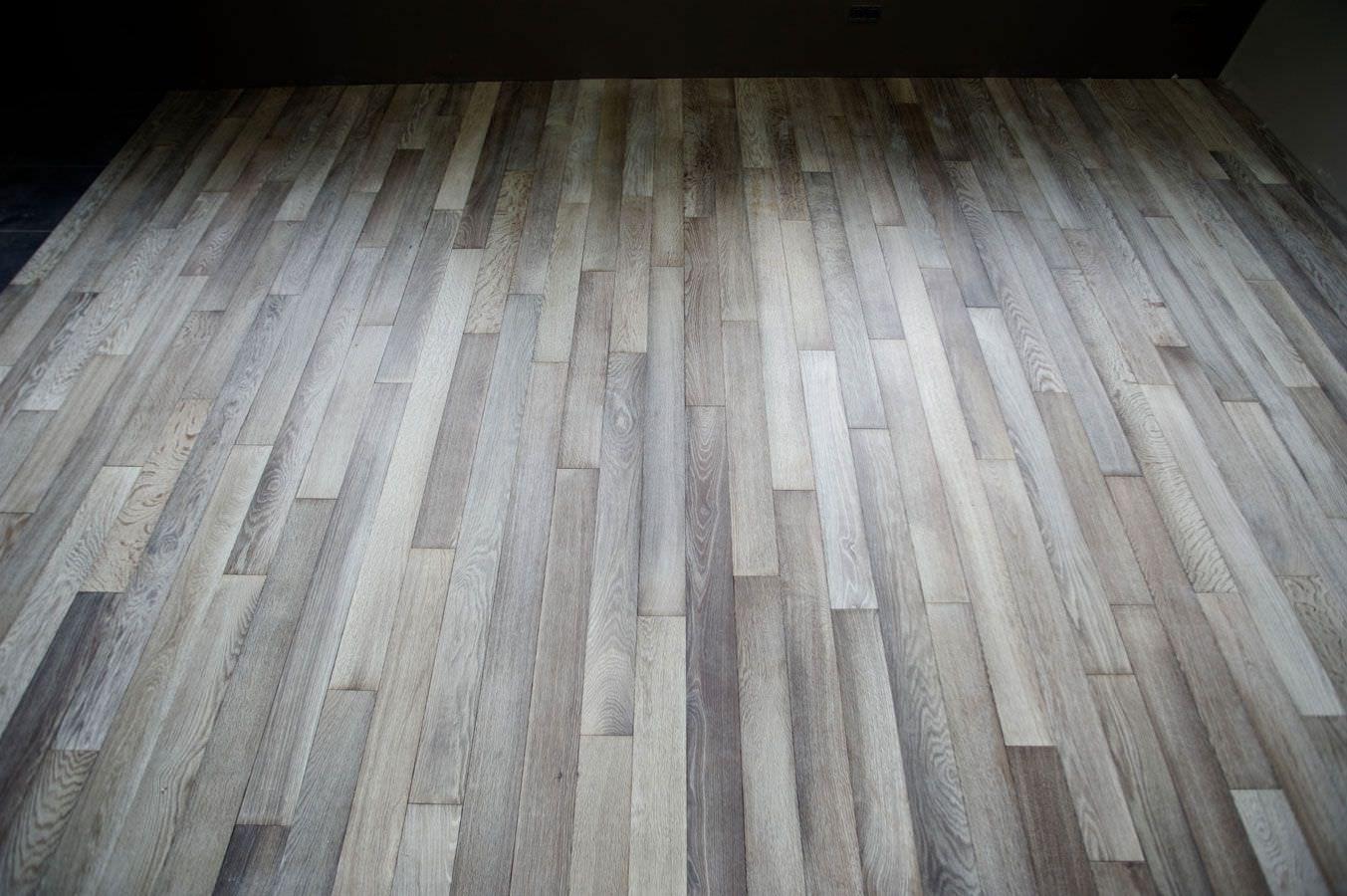 Traditional Look Grey Wood Stain House Decoration In 2020 Hardwood Floor Colors Hardwood Floors Gray Oak Floor