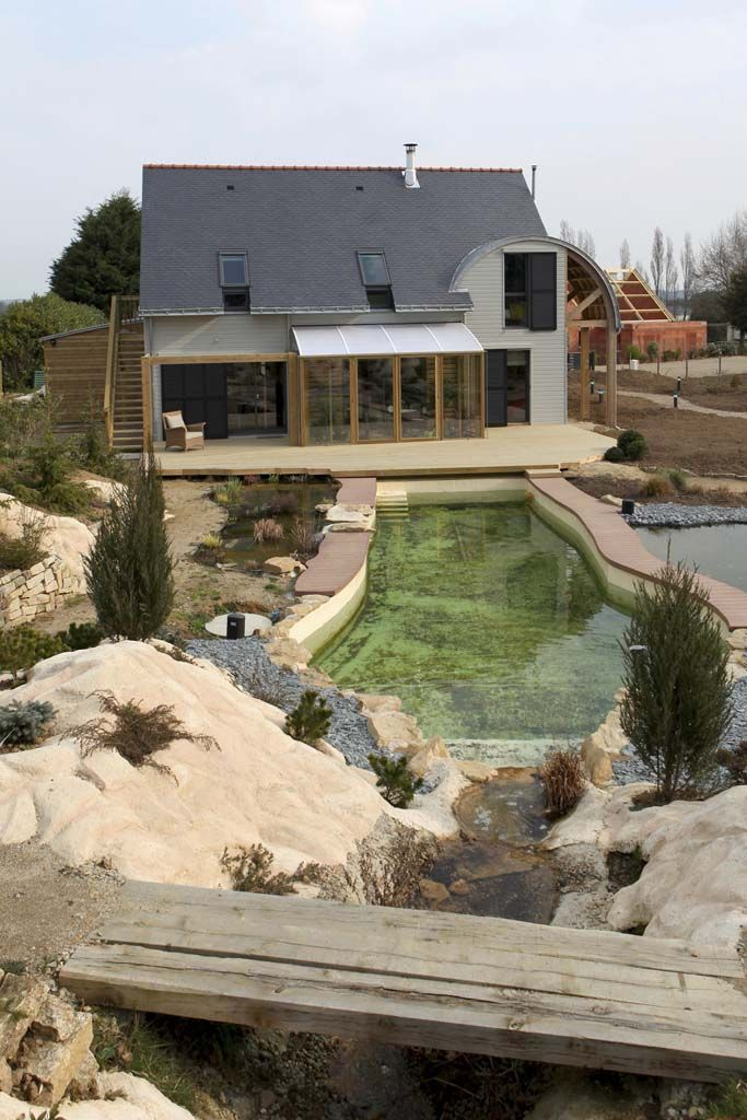 http://www.architecturelist.com  An Organic, Bioclimatic House In Brittany / By Patrice Bideau
