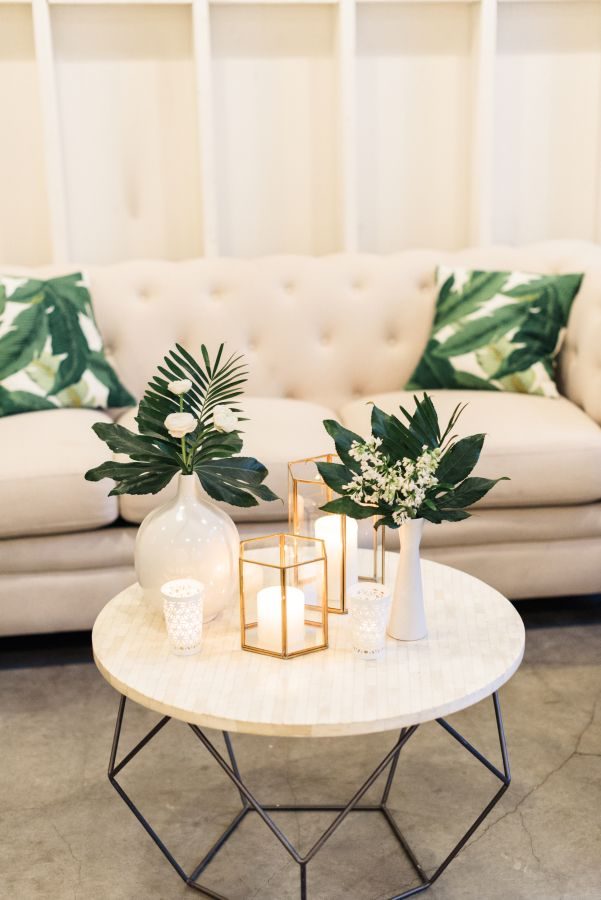 A Chic, Tropical Party Infused with That Iconic Banana Leaf ...