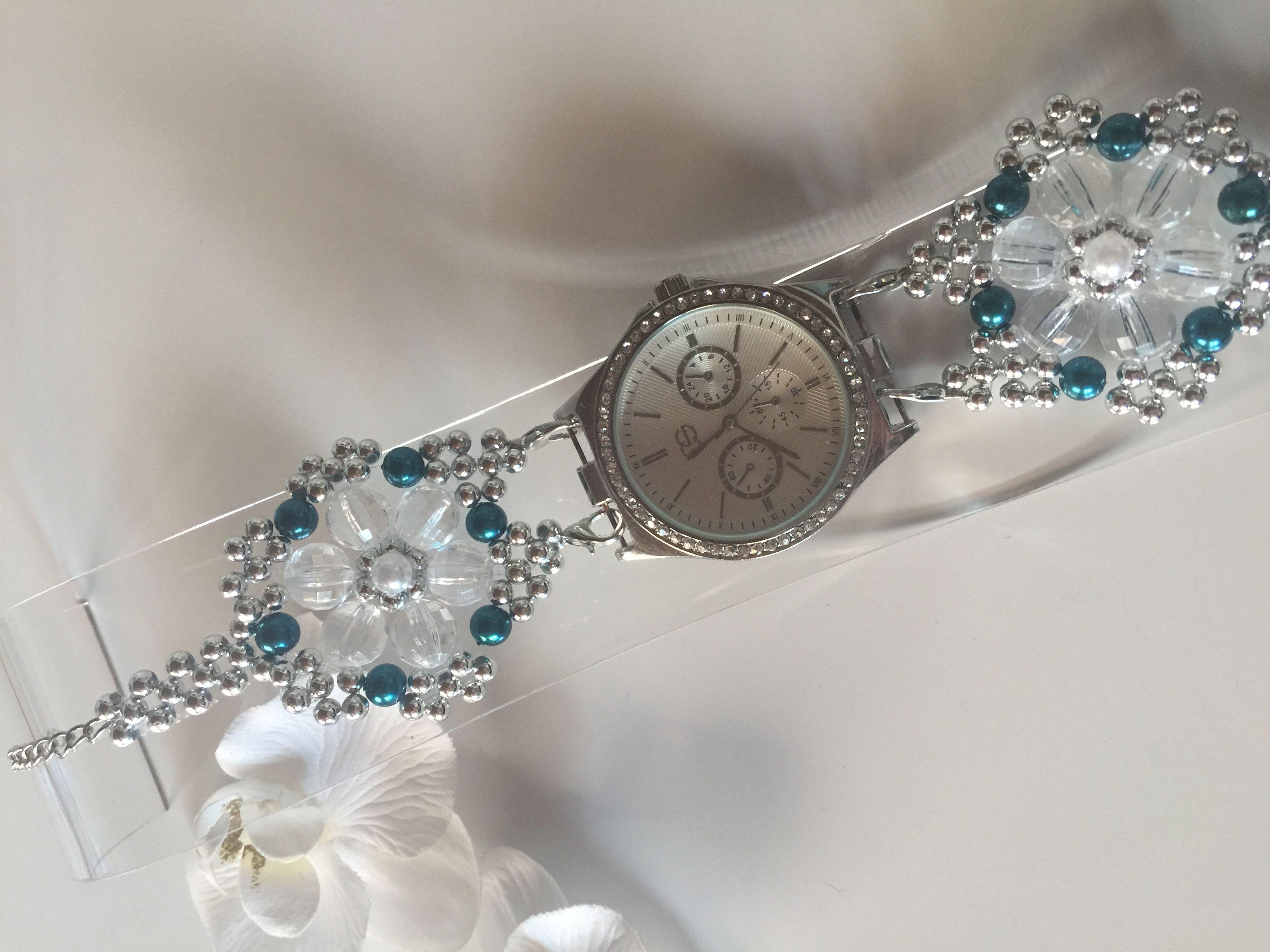 Perlenarmbanduhr (55)  Ich verwende für meinen Schmuck den ich fertigte ausschließlich hochwertige Glasperlen, Glasschliffperlen, Acrylperlen, Rocailles-Delica und Glaswachsperlen. Gefädelt mit Fireline und Nylon.