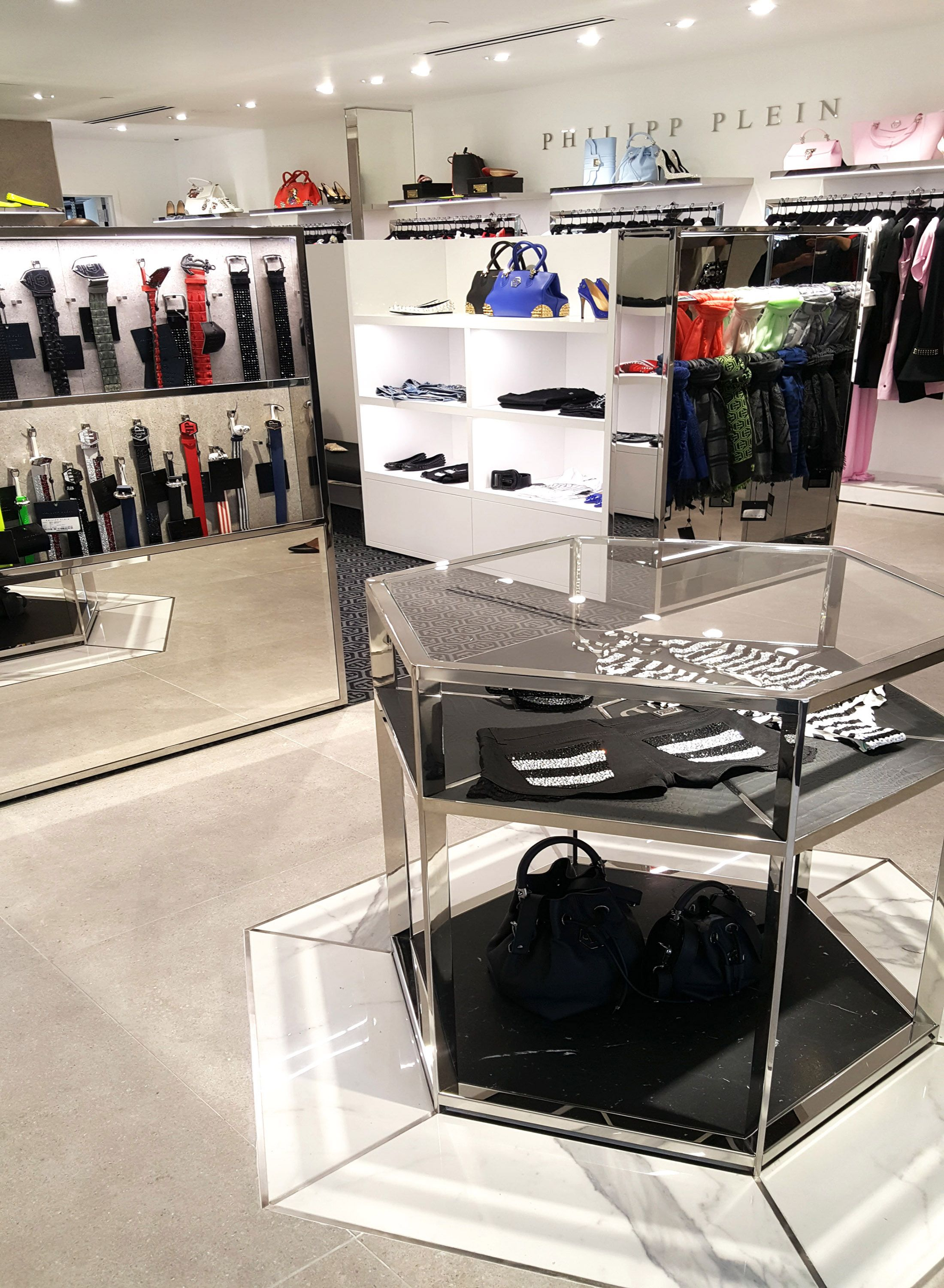 premium selection ed1e9 52880 Philipp Plein Store at Woodbury Common outlet in New York ...