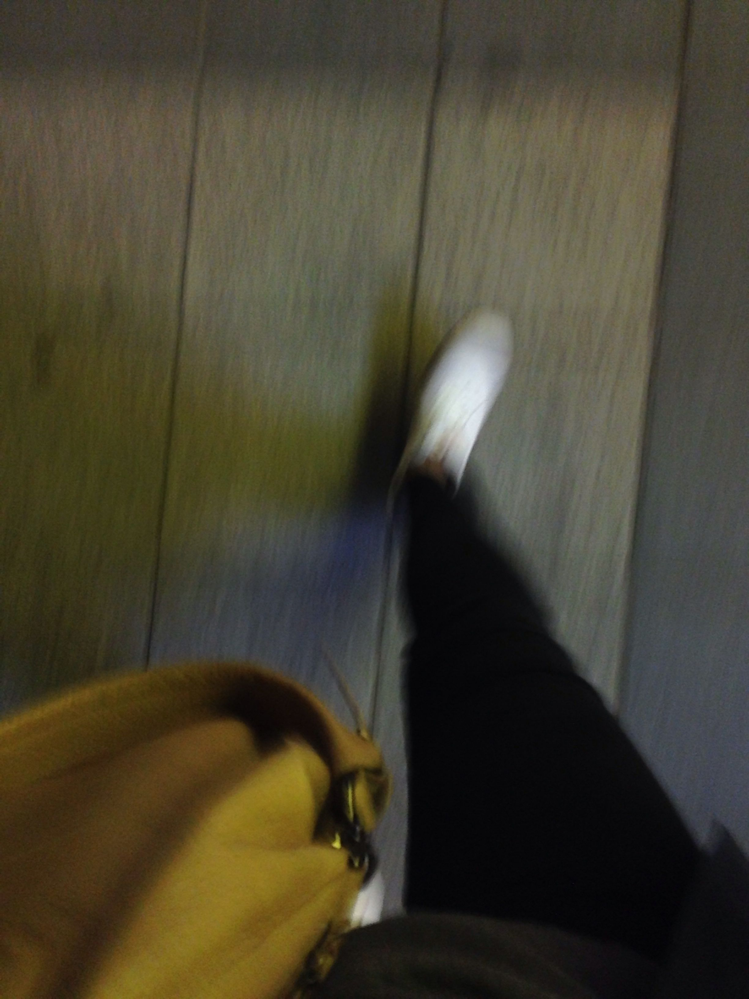 외근후 지하철역으로. 릴레이 회의. 역삼