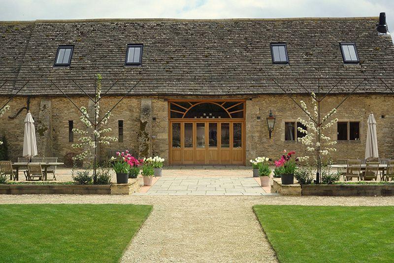 Oxleaze Barn Wedding Venue In Gloucestershire