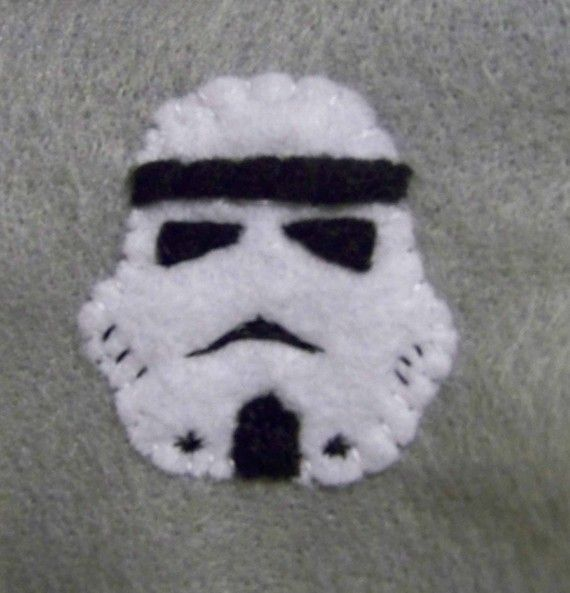 Storm Trooper felt ornament. This is do-able.