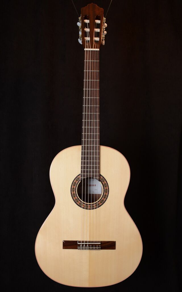 Almansa Senorita Model 401 Spruce Top | Classical Guitars ...