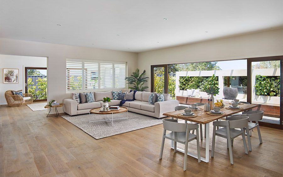 Like This Light Weight Look Dining Table And Cat Proof Chairs Met Open Plan Kitchen Living Room Open Plan Kitchen Dining Living Living Room Dining Room Combo