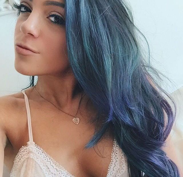 Niki Demartino and her blue hair is goals