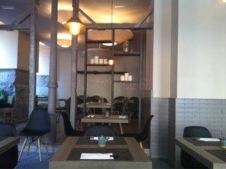 yoshi sushi & japanese grill +34 915 22 32 65 Calle Gravina, 17 Madrid Metro Chueca 5 restaurantejaponesyoshi.es