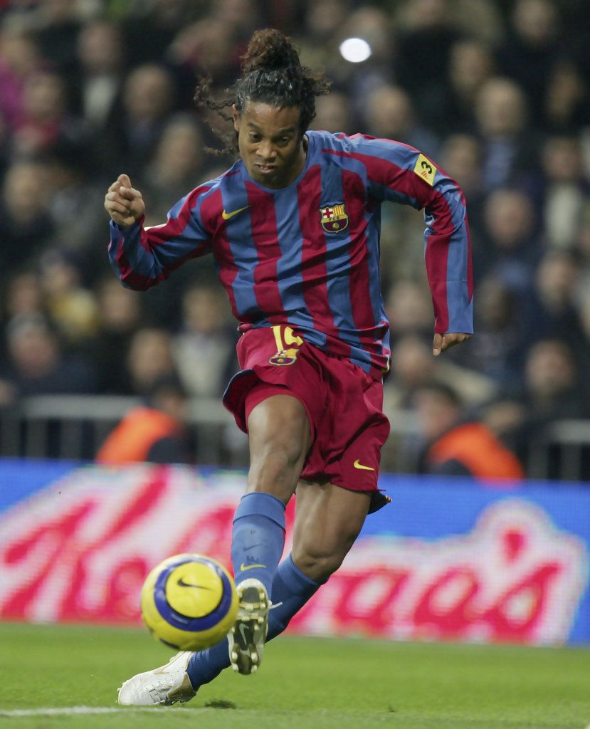 Ronaldinho Of Barcelona Scores A Goal Against Real Madrid During A Primera Liga Match Between Real Madrid And Best Football Players Messi And Ronaldo Barcelona