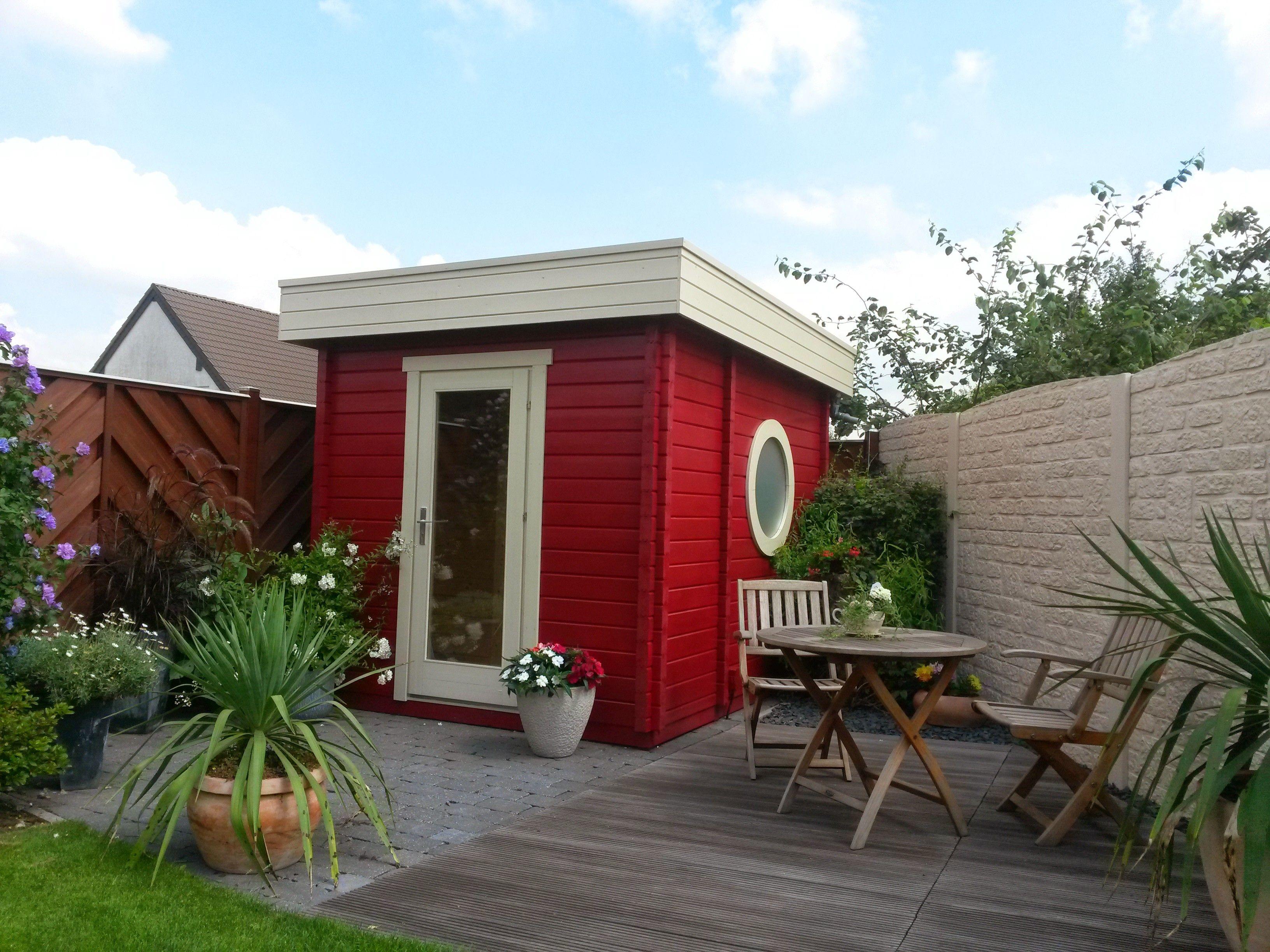 Dem trendigen Gartenhaus im CubusStyle steht ein