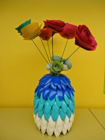 Daur ulang sendok plastik hasilkan kerajinan tangan yang menarik dan mudah  dibuat. 94806cdcaf