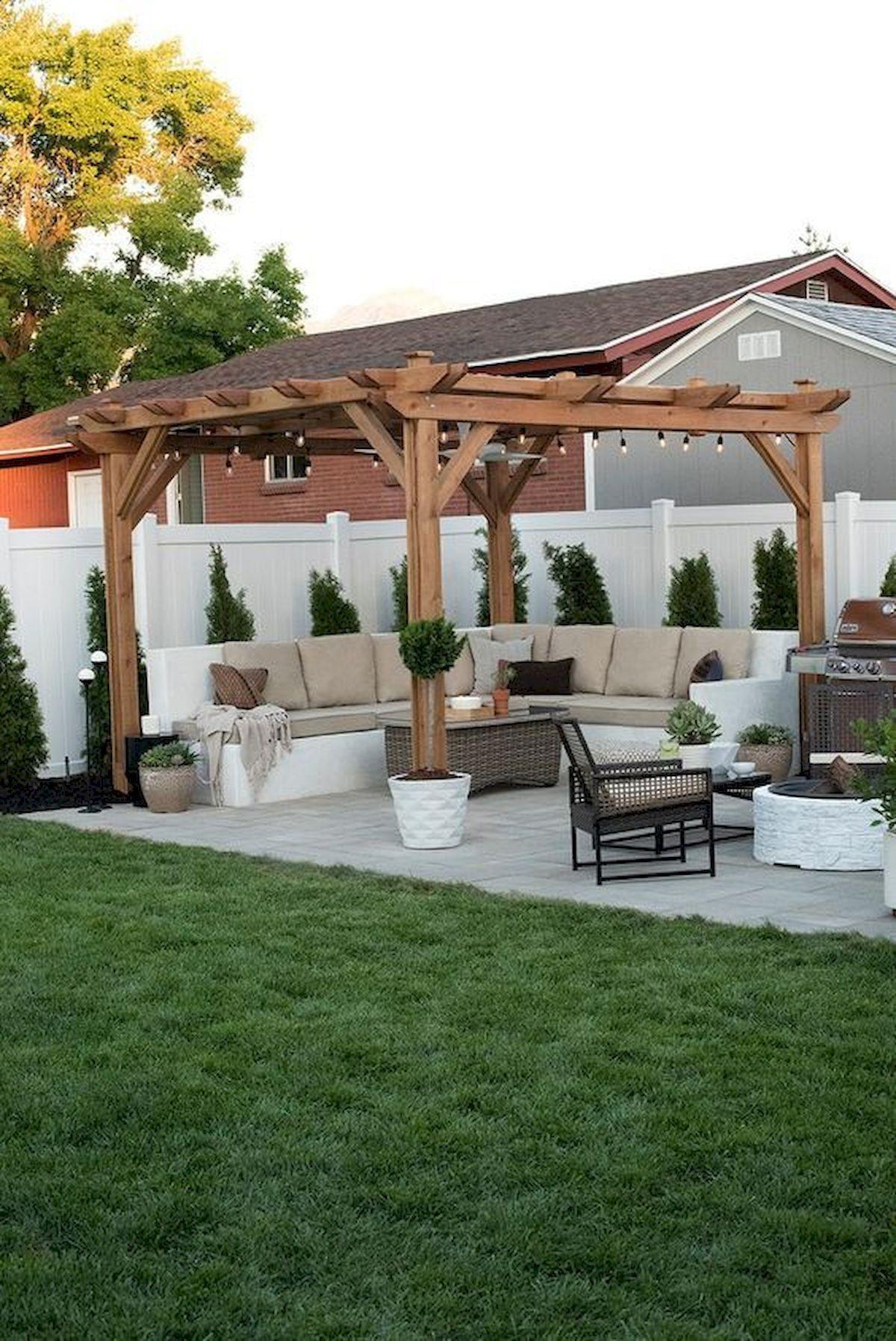 28 Best Farmhouse Backyard Decor Ideas Small Backyard Patio Backyard Landscaping Designs Backyard Seating
