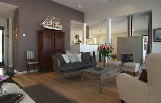 Kaunis sohvapöytä - voisi kenties lyhentää jalat ja tuunata jostain löytöpöydästä sopivan korkuinen