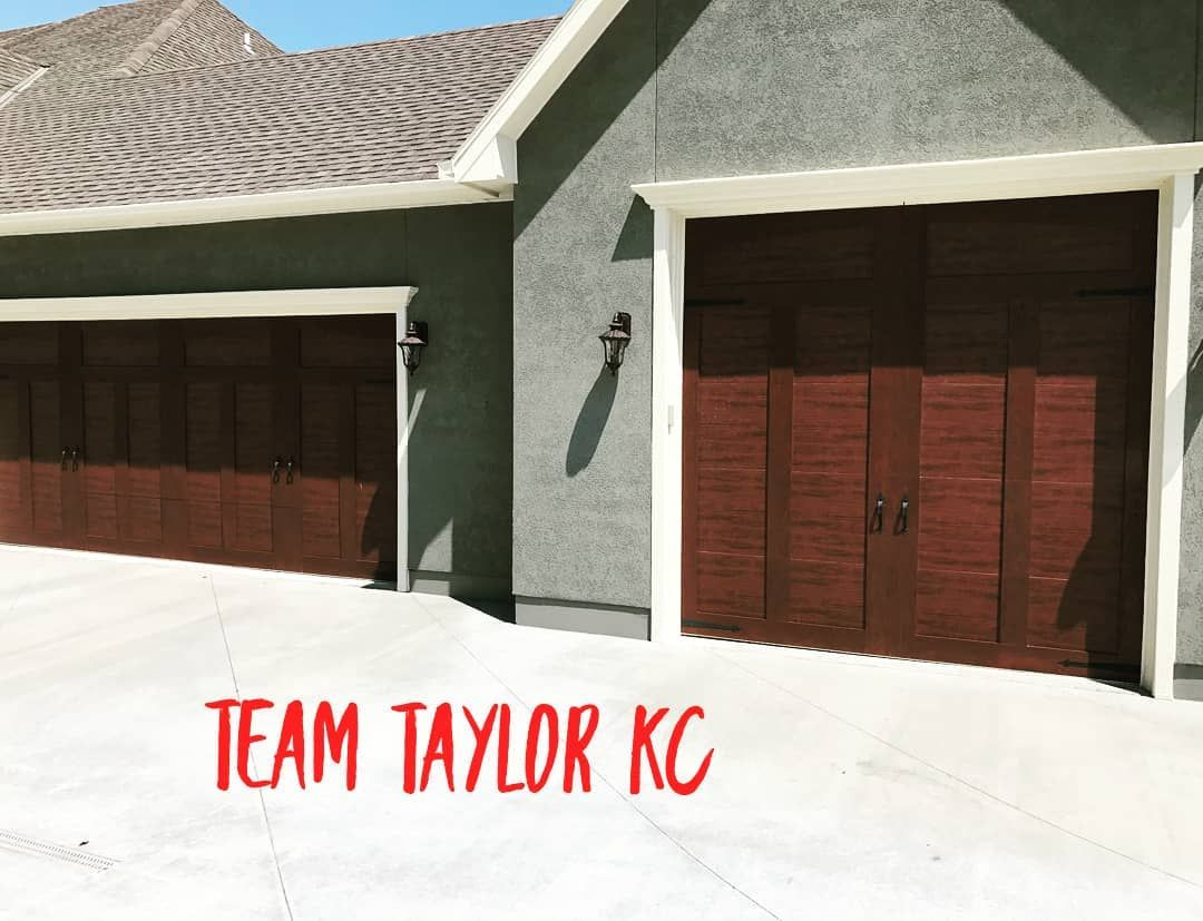 Imagine Pulling Into Your Driveway Seeing Your Dream Garage Doors And Questioning If You Were At The Rig Garage Doors Prices Garage Doors Carriage House Doors