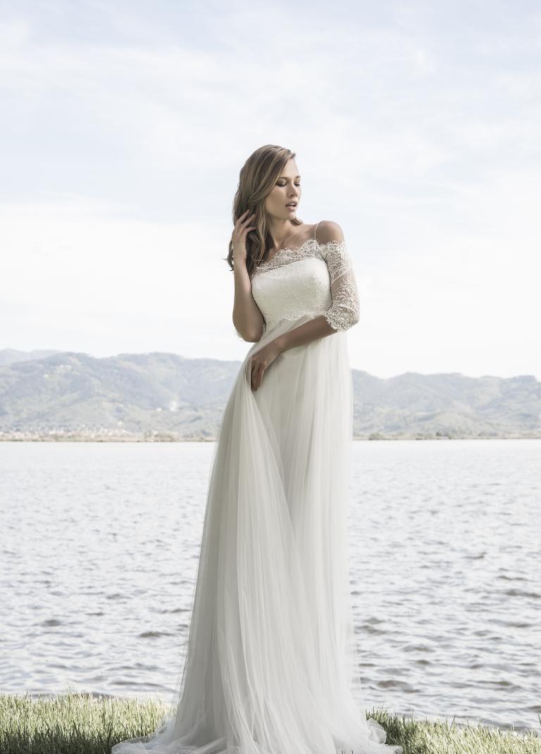 abito da sposa stile impero con corpino di pizzo rebrodè 53353650ff8