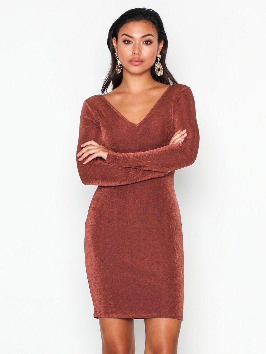 896e1170 Flirty Glam Dress - Nly Trend - Brun - Festkjoler - Klær - Kvinne - Nelly