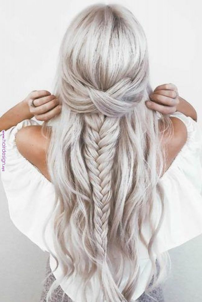 36 Amazing Graduation Hairstyles For Your Special Day Here Are Gorgeous Prom And Graduation Hai Long Hair Styles Hair Styles Wedding Hairstyles For Long Hair