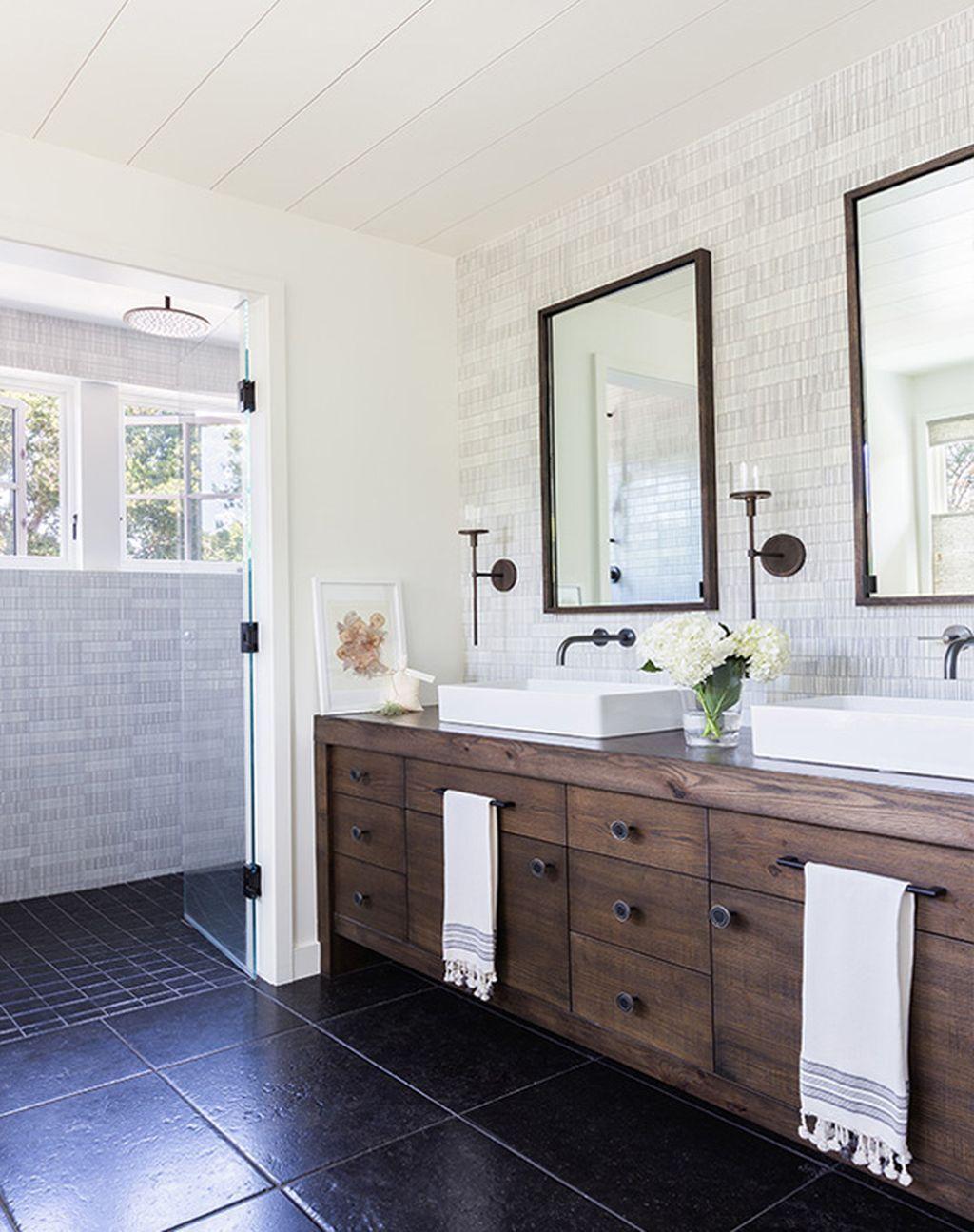 Modern Rustic Farmhouse Style Master Bathroom Ideas 49 Modern Farmhouse Bathroom Farmhouse Master Bathroom Bathroom Vanity Remodel