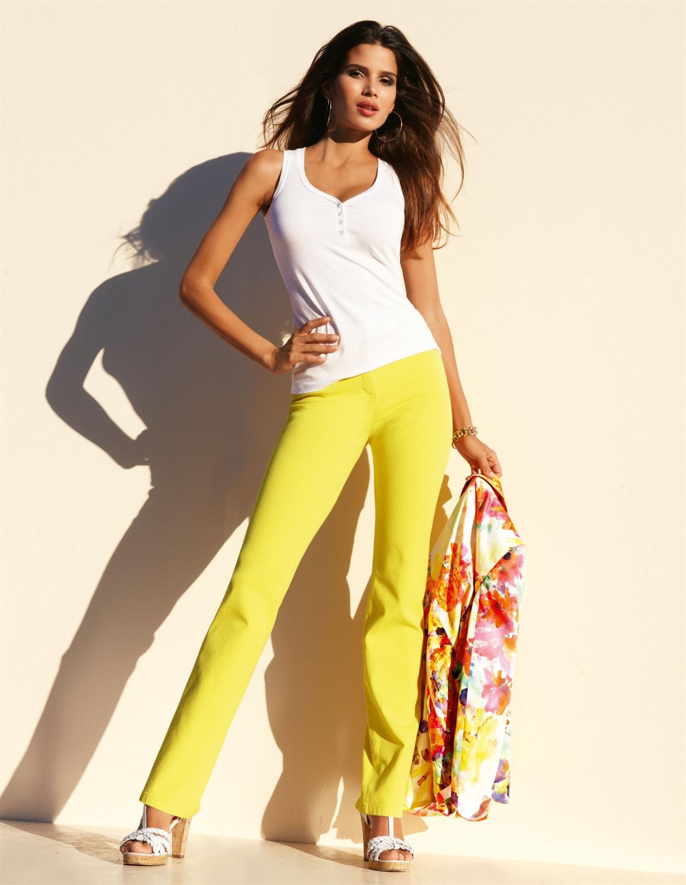 Sommerjeans in Sonnenfarben: die M-Jeans mit knackigem Sitz und perfekter Passform.