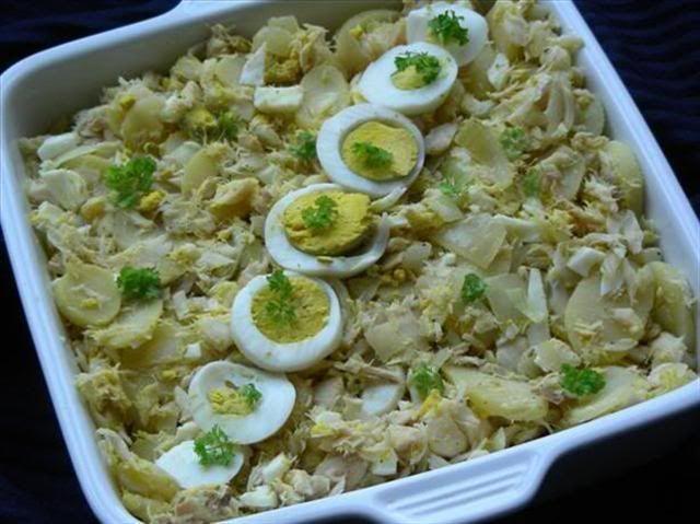 Bacalhau gomes de s salt cod and potato cape verde for Portuguese cod fish recipes