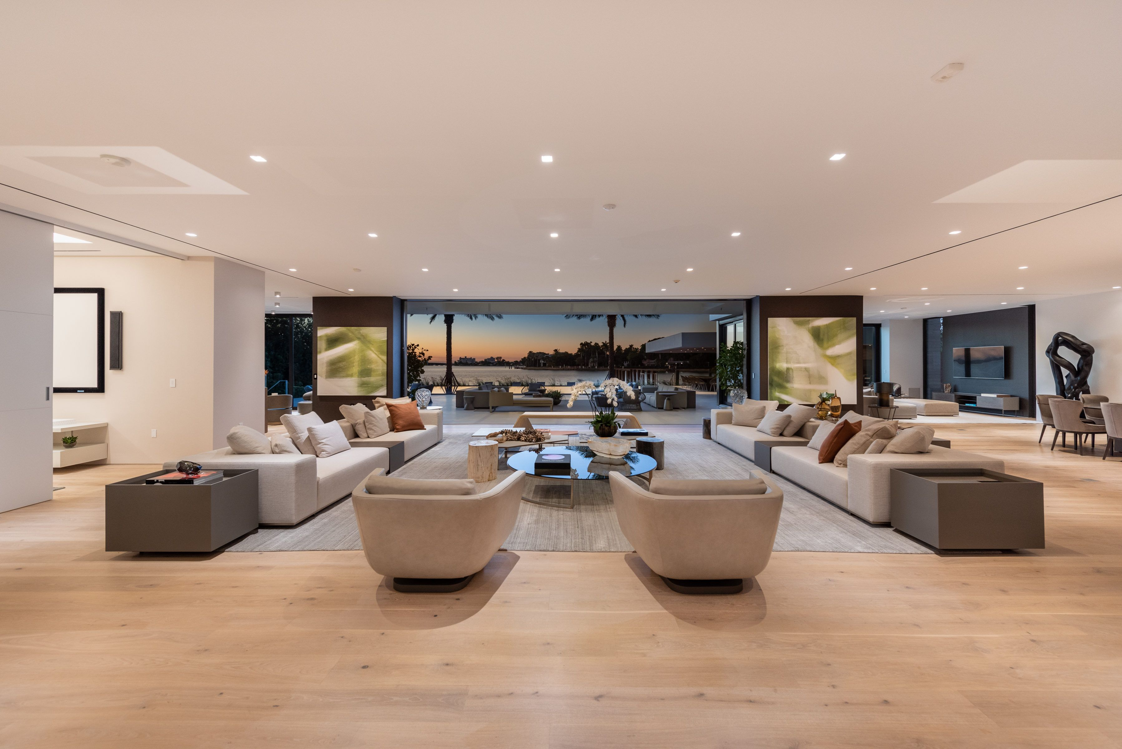 Living Room Of A 32 000 000 Mega Mansion In Miami Beach Dream House Decor Tiny House Luxury Home Room Design