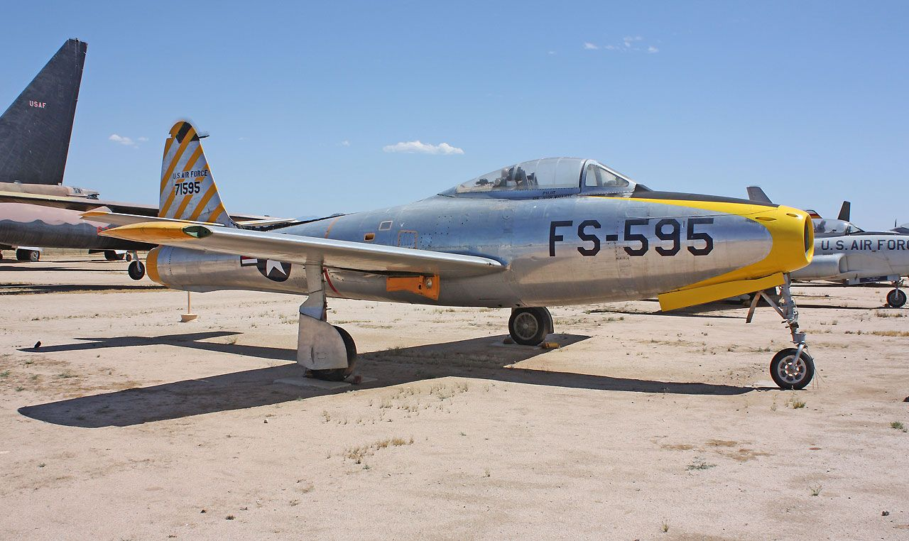 March AFB Museum Reconnaissance aircraft, Royal air