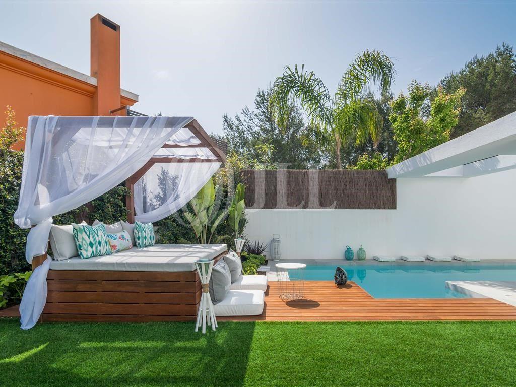 Moradia T3 + 1 com piscina na Costa da Guia | Moradia ...