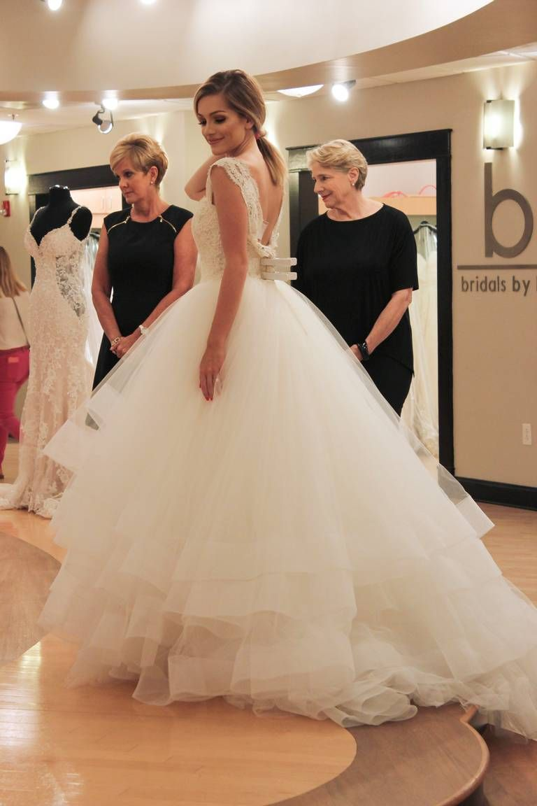 Say Yes To The Dress Atlanta Bride Brandi The Dress Brandi Wowed The Room In This Beautiful Dress By Allure Couture In 2020 Dresses Dress Gallery Yes To The Dress
