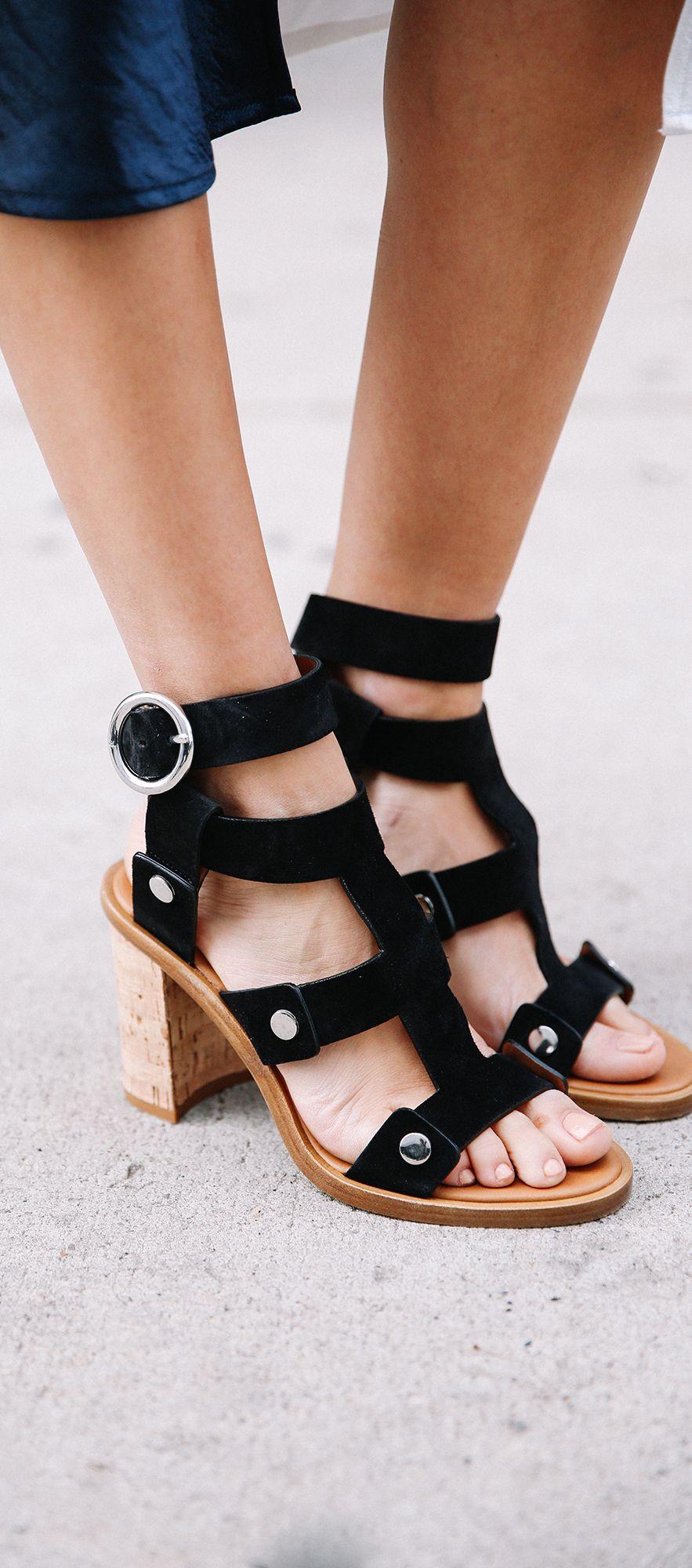Velvet Contrast Binding Twisted Thin Heels