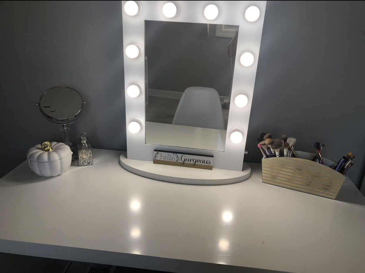Makeuproom ikea halloween whiteandgold vanity spooky diy cute