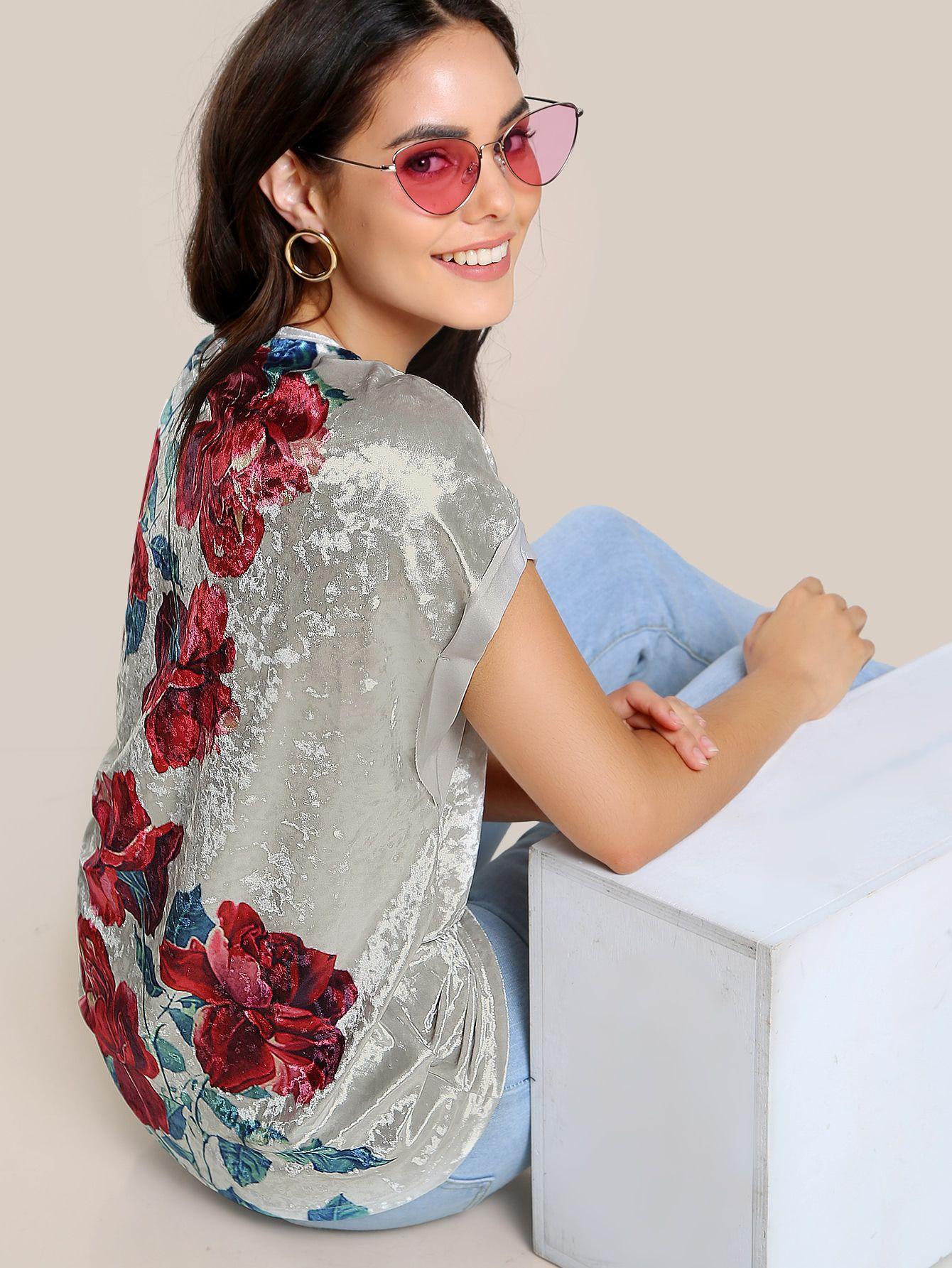 9c33708e3 Camiseta de terciopelo con estampado de flor con manga enrollada-Spanish  SheIn(Sheinside)