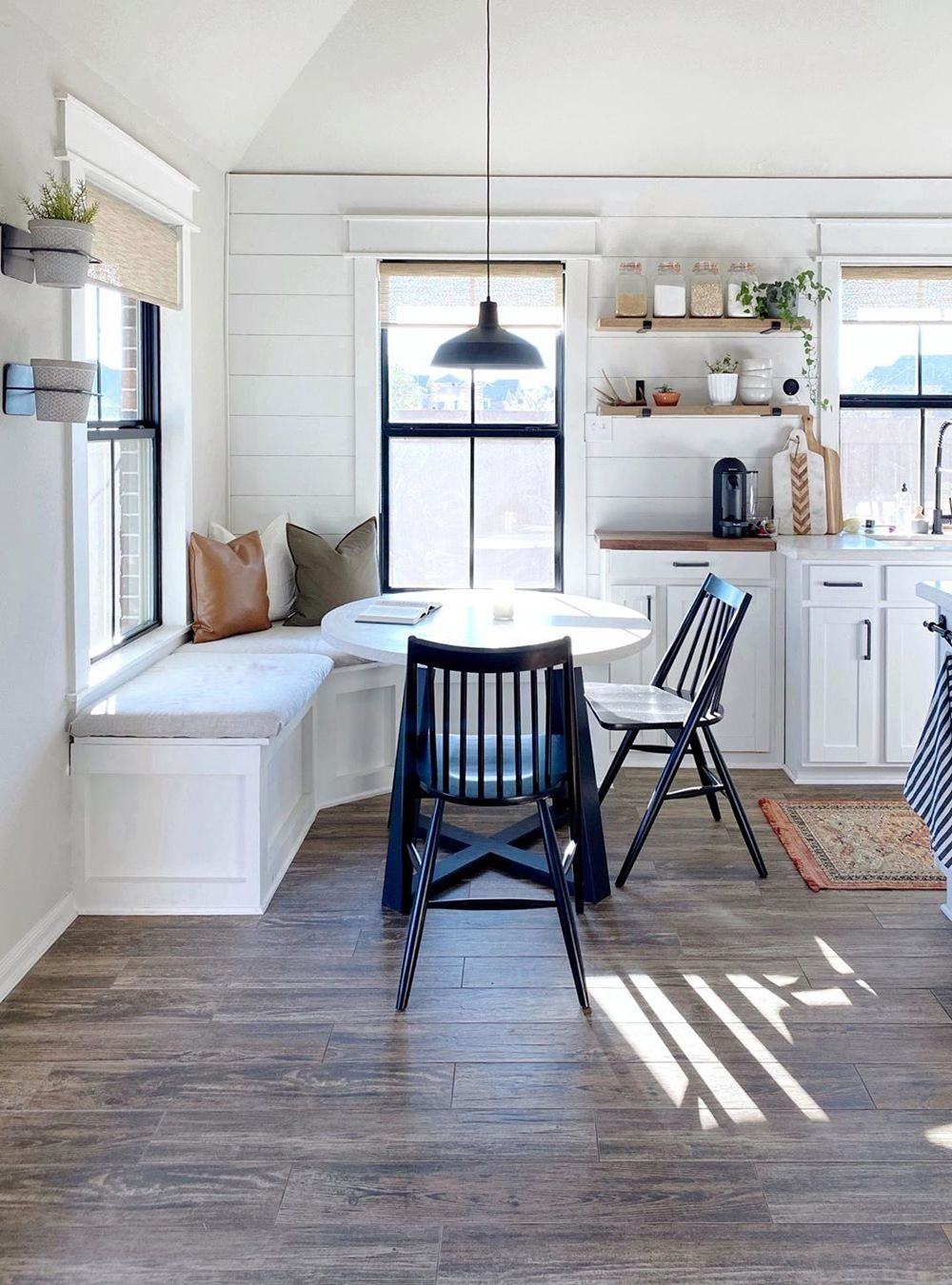 25 Fascinating Kitchen Bench Seating Ideas You Ll Love In 2020 Kitchen Corner Bench Seating Banquette Seating In Kitchen Booth Seating In Kitchen Kitchen window seat ideas