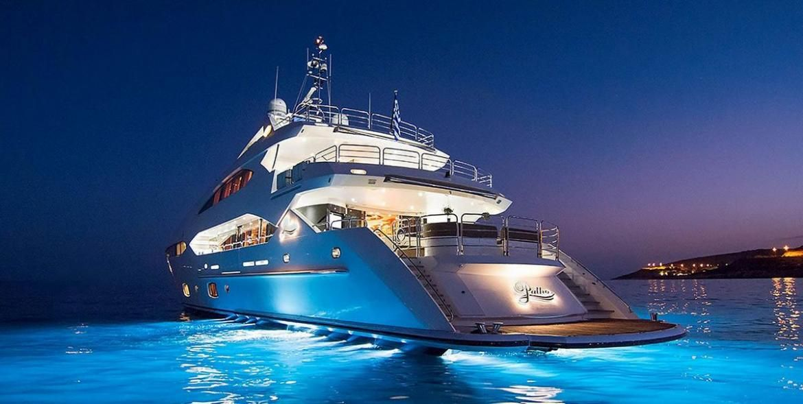 How To Vacation Like An A Lister With Tropicalboat Luxury Yacht Charters Rentals Luxurylaunches In 2020 Luxury Yachts Yacht Charter Yacht